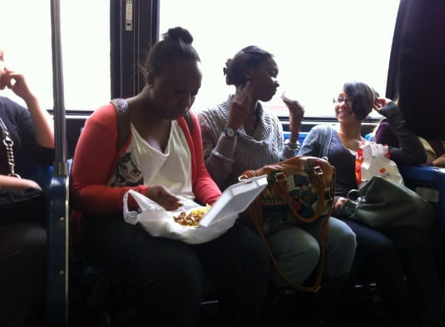Avoid Eating While You Travel