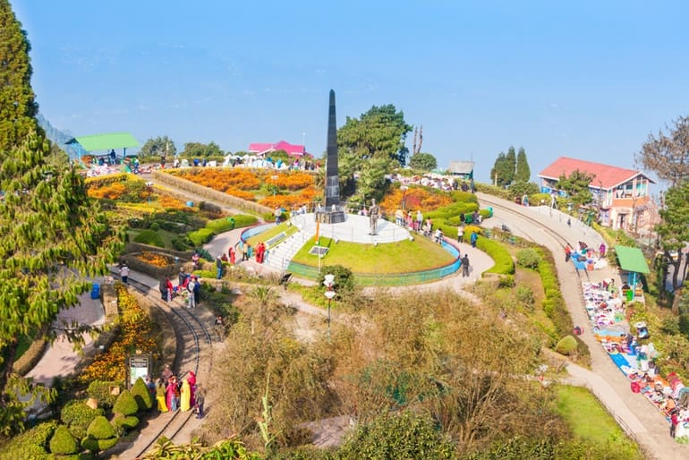11 Best Place To Visit In Darjeeling City: Tourist Places List